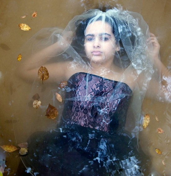 Dramatic-portraits-in-water-008