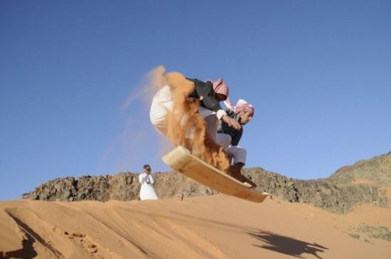 Sandboarding-In-Arabic-003
