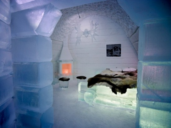Hotel-made ​-of-ice-and-snow-in-Sweden-001