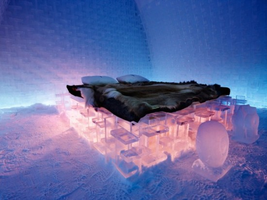 Hotel-made ​-of-ice-and-snow-in-Sweden-011