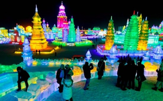 Ice-and-Snow-Sculpture-Festival-001