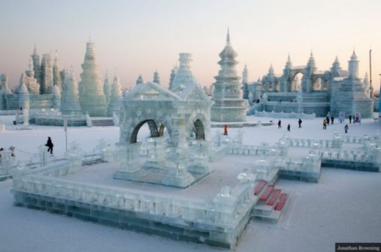 Ice-and-Snow-Sculpture-Festival-003