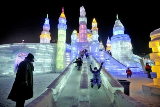 Ice-and-Snow-Sculpture-Festival-013