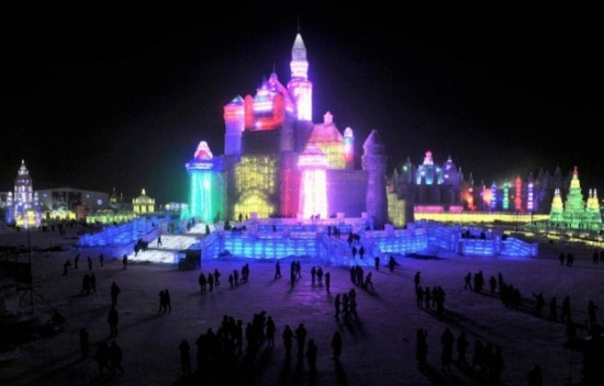 Ice-and-Snow-Sculpture-Festival-019