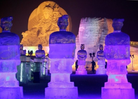 Ice-and-Snow-Sculpture-Festival-028