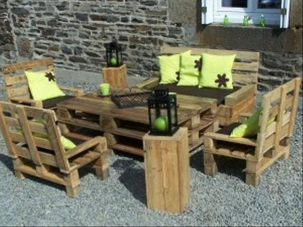 Amazing uses for old pallets 003 funcage for Uses for used pallets