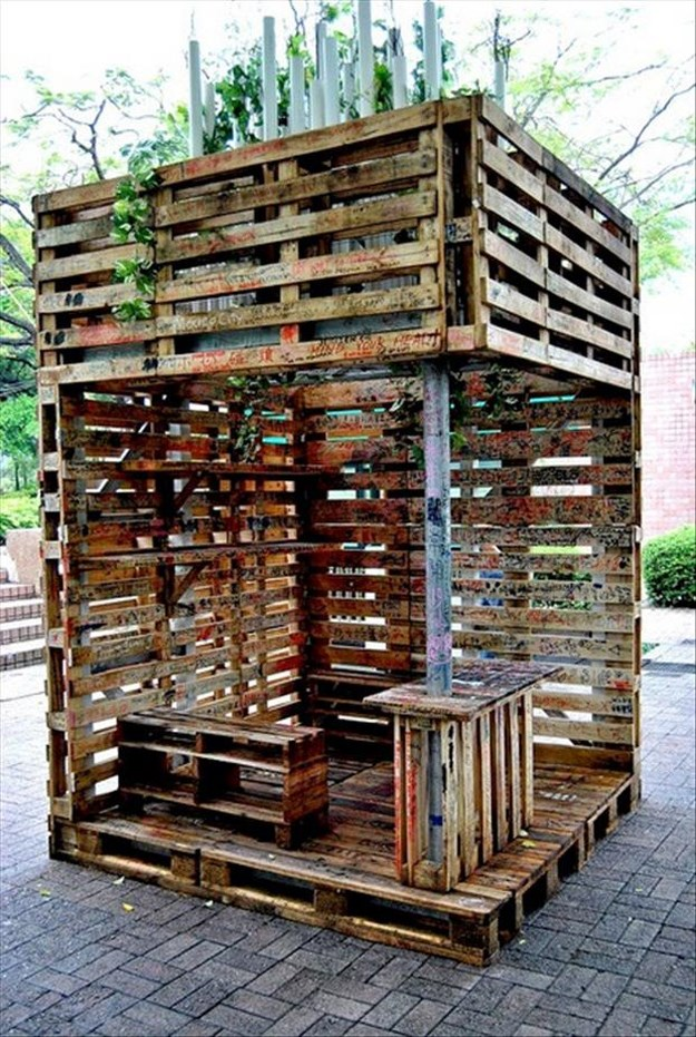 Amazing uses for old pallets 011 funcage for Uses for used pallets
