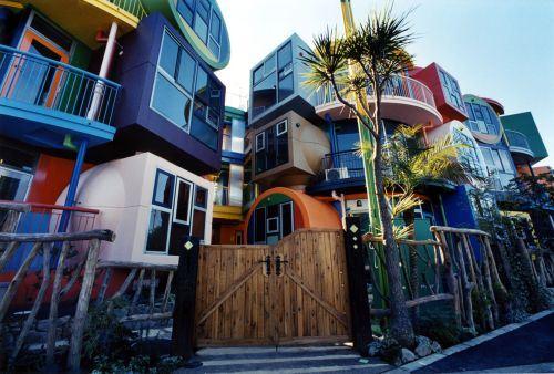 Crazy-Buildings-Around-The-World-001