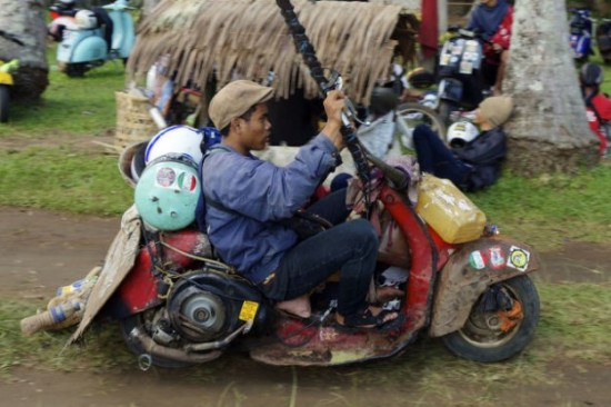 Indonesians-Oddest-Motorbikes-Ever-010