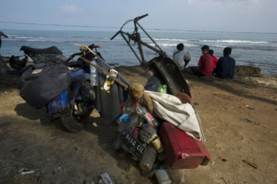 Indonesians-Oddest-Motorbikes-Ever-014