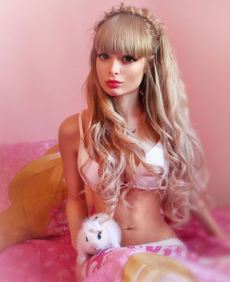 The-Human-Barbie-Doll-035