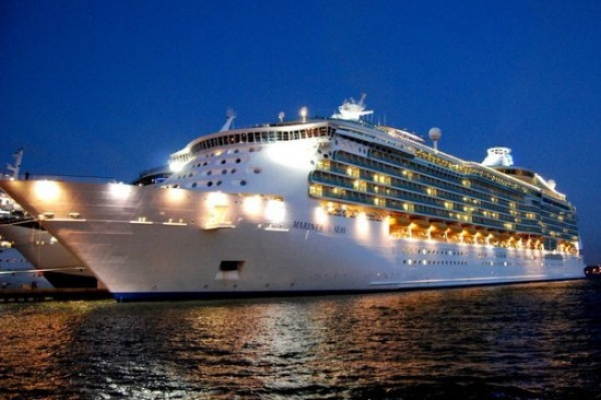 12-Most-Luxurious-Cruise-Ships-001