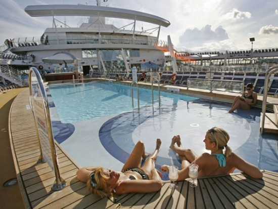 12-Most-Luxurious-Cruise-Ships-005