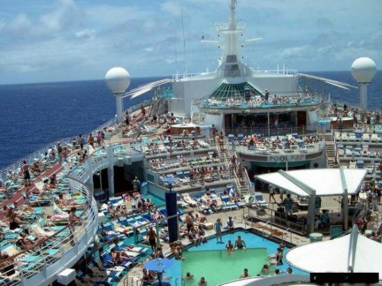 12-Most-Luxurious-Cruise-Ships-007