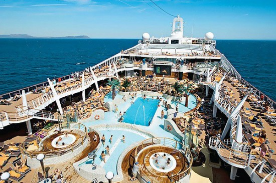12-Most-Luxurious-Cruise-Ships-009