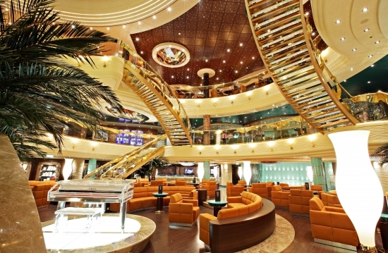 12-Most-Luxurious-Cruise-Ships-012