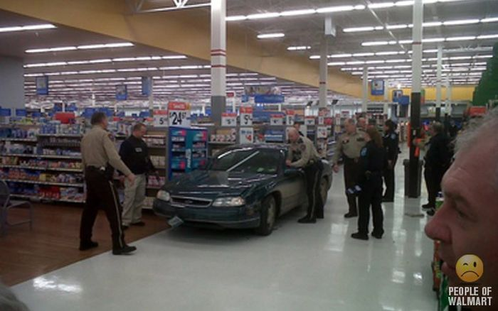 Funny and strange people spotted at Walmart 016 - FunCage