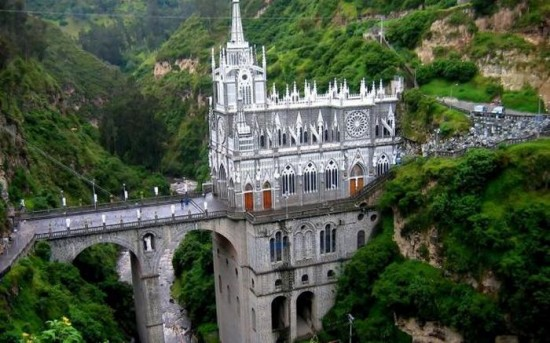Las Lajas Cathedral in Colombia1