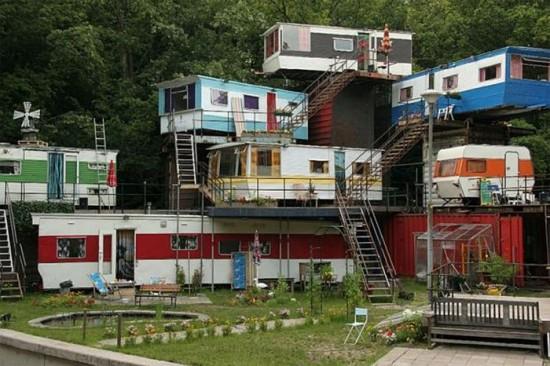 Redneck Mansion in Openlucht Theater, Amsterdam