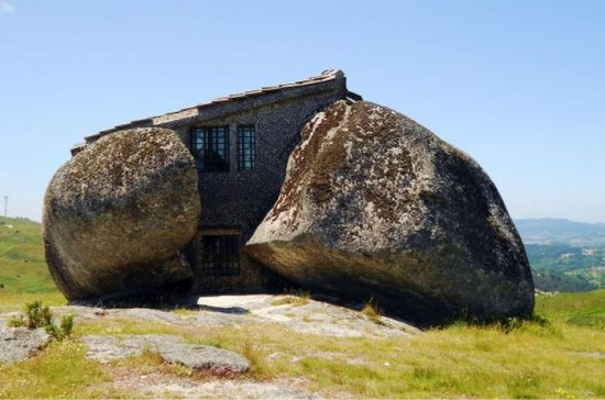 Stone House in Portugal1