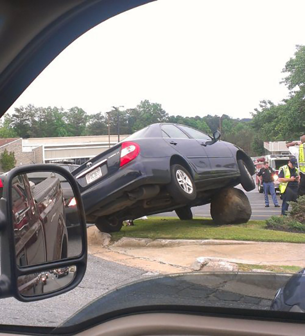 21 Strangest Car Accidents and Crashes  Carsut