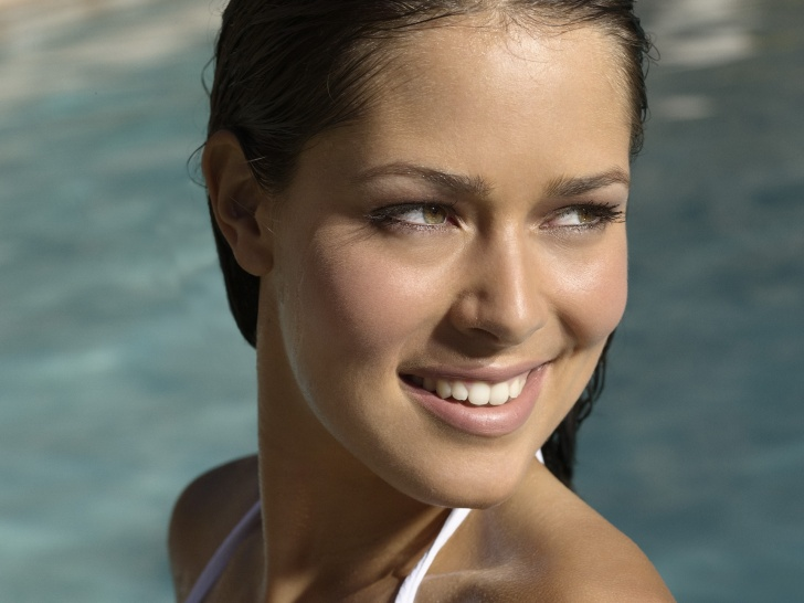 Ana Ivanovic - Top 10 Prettiest Female Celebrities