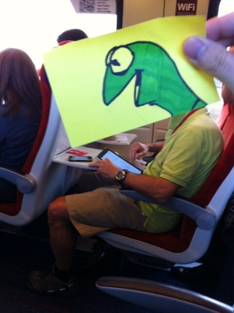 This Guy Has a Funny Solution For Avoiding Boredom On His Commute 011