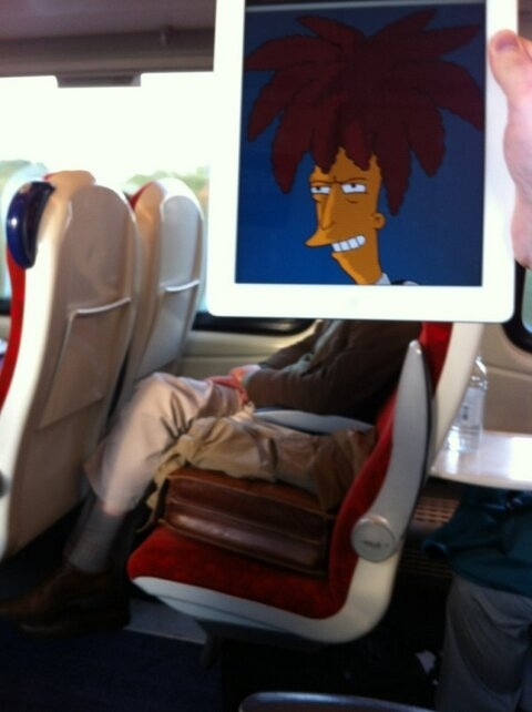 This Guy Has a Funny Solution For Avoiding Boredom On His Commute 012