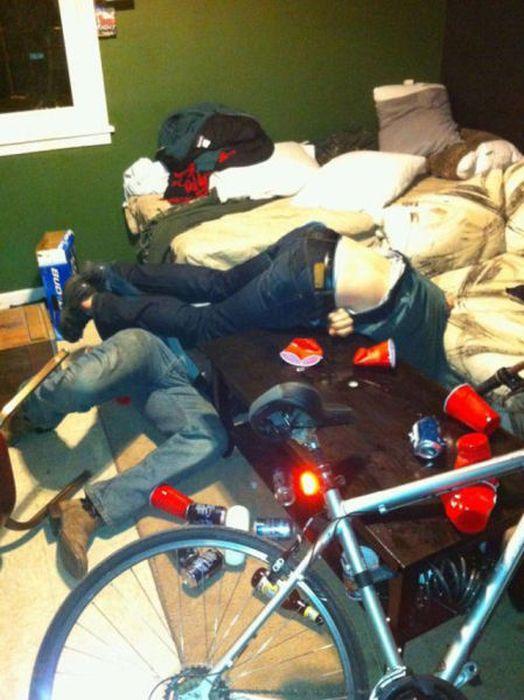 Crazy Drunk People (38 Photos) - FunCage