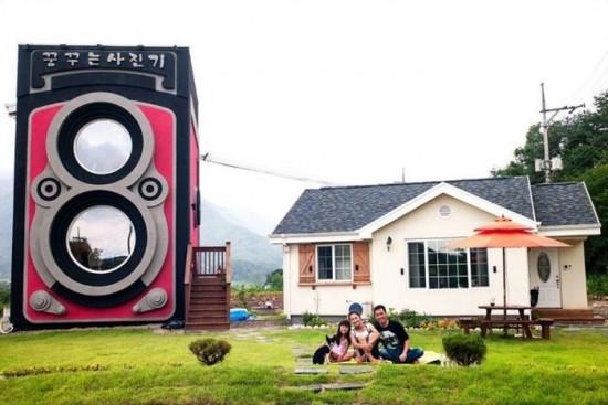 Vintage Camera Coffee Shop in South Korea 001
