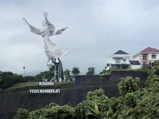 Christ Blessing. Manado, Indonesia, 30 m