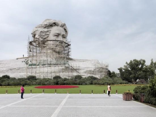 Mao Zedong. Changsha, China, 32 m