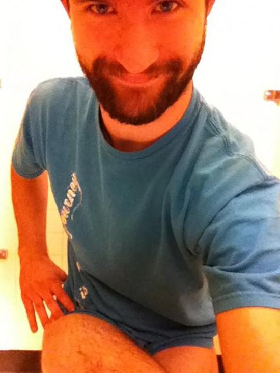 Toilet Selfie Is The Latest Trend  30 Photos