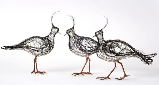 3D wire bird sculptures deliberately made to look like flattened 2D sketches 001
