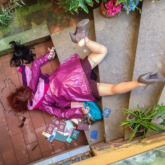 Hilariously Contrived Accidents of People Consumed by Material Goods 002