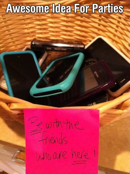 35 Pics that prove how smartphones are taking over the