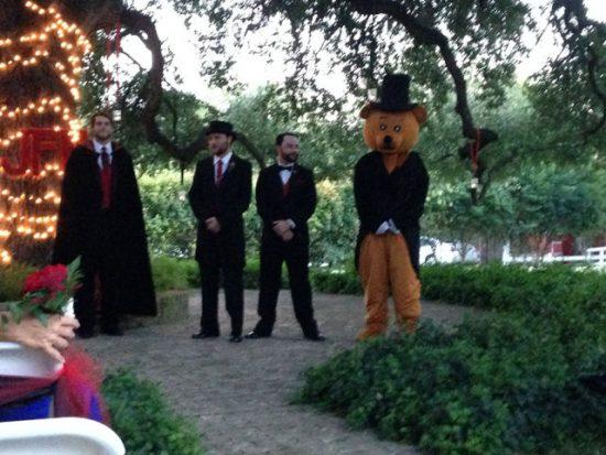weird wedding pics 02