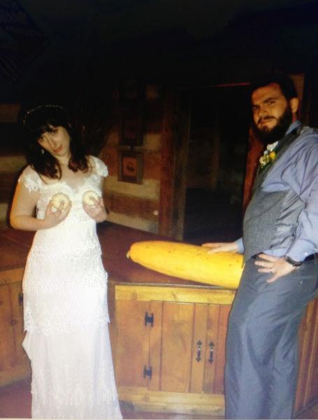weird wedding pics 08
