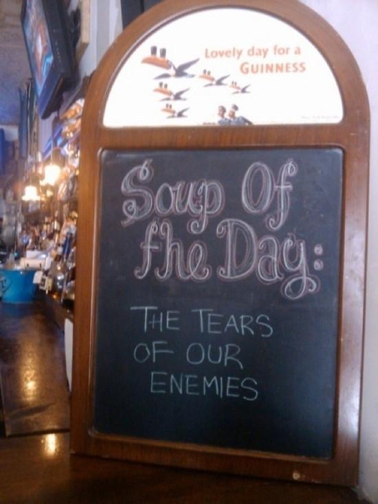 Funny-Restaurant-Signs-010