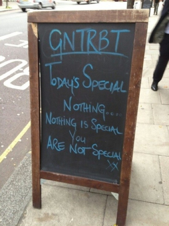 Funny-Restaurant-Signs-015