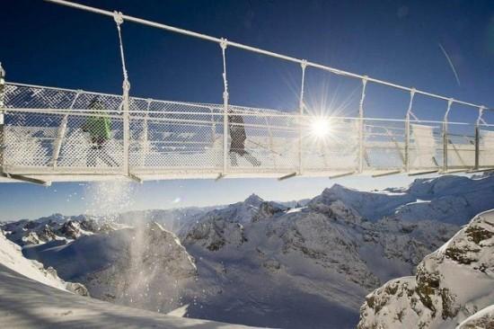 The-highest-suspension-bridge-in-Europe-004
