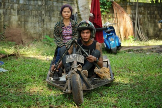 Indonesians-Oddest-Motorbikes-Ever-003