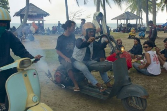 Indonesians-Oddest-Motorbikes-Ever-013