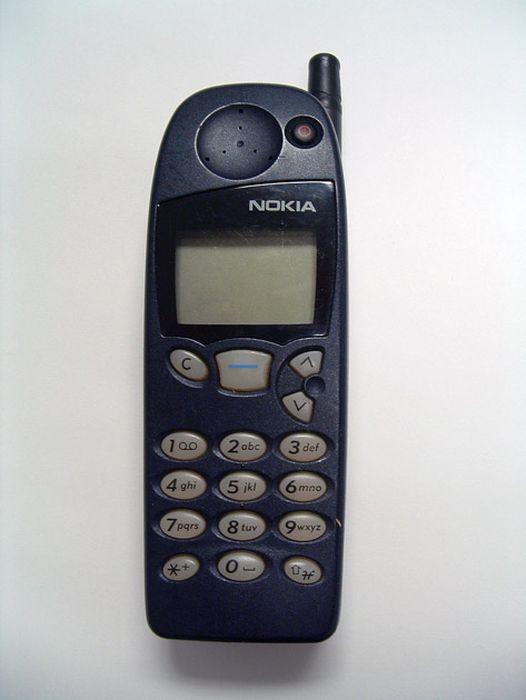Nokia-Handsets-Since-1984-2013-008