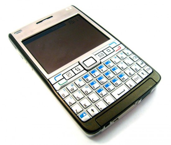 Nokia-Handsets-Since-1984-2013-028