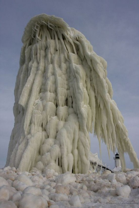 Awesome-Ice-Covered-Lighthouses-006