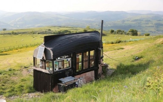 35 Great Homes Away from Civilization 016