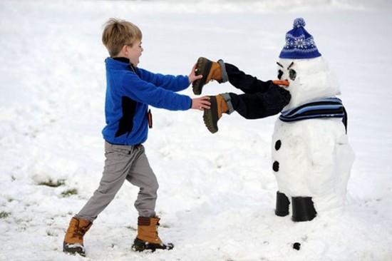 22 Funny and creative snowman ideas 012