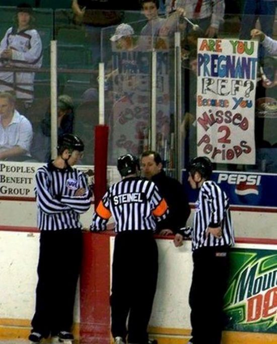 24 Funny and good sporting event signs 004