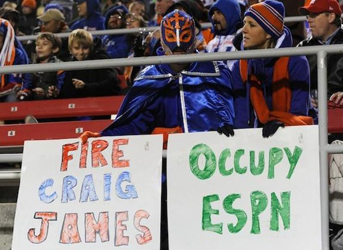 24 Funny and good sporting event signs 005